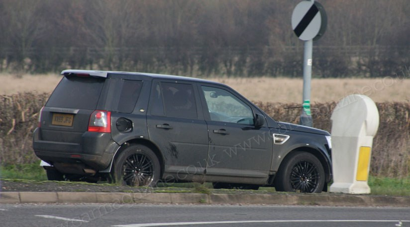 range rover lrx mule 2011 scooped in uk by car magazine. Black Bedroom Furniture Sets. Home Design Ideas
