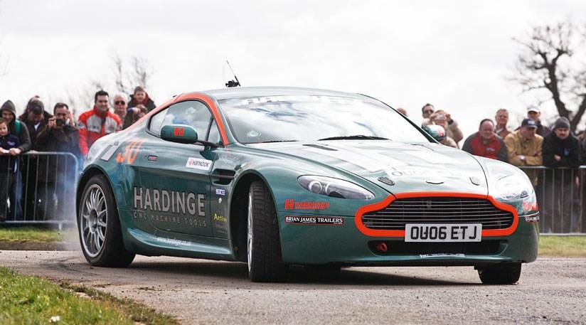 Astonmartinv Rallygt