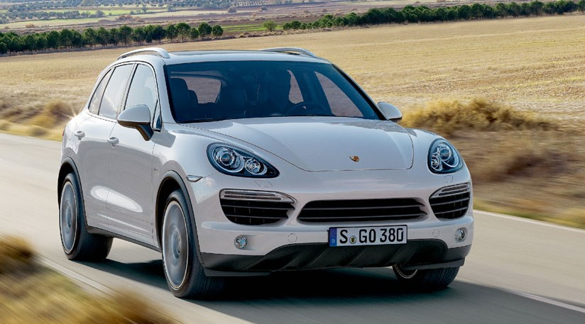 porsche cayenne 2010 the new suv unveiled by car magazine. Black Bedroom Furniture Sets. Home Design Ideas