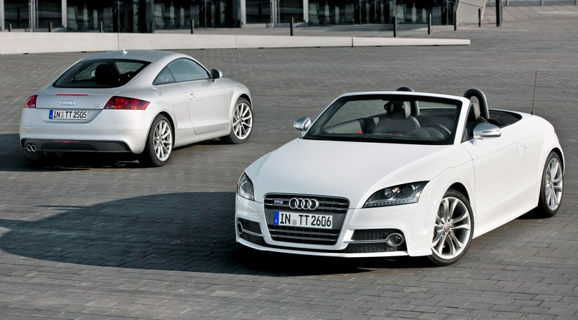 audi tt coupe and roadster facelift 2010 first pictures. Black Bedroom Furniture Sets. Home Design Ideas