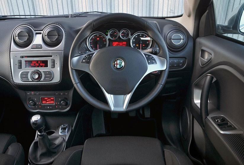 Alfa romeo giulietta sportiva 2013 review 12