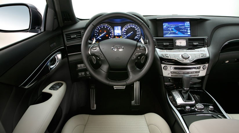 Infiniti M37S 2010 review by CAR Magazine
