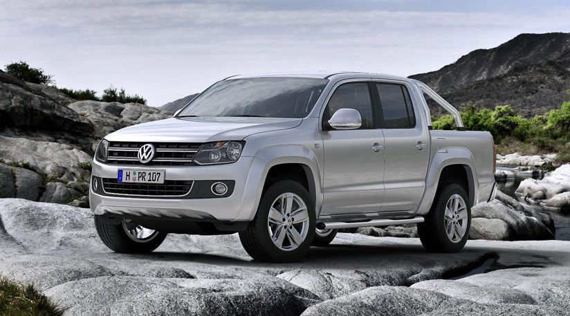 vw amarok volkswagen pick up comes to uk in 2011 car magazine. Black Bedroom Furniture Sets. Home Design Ideas