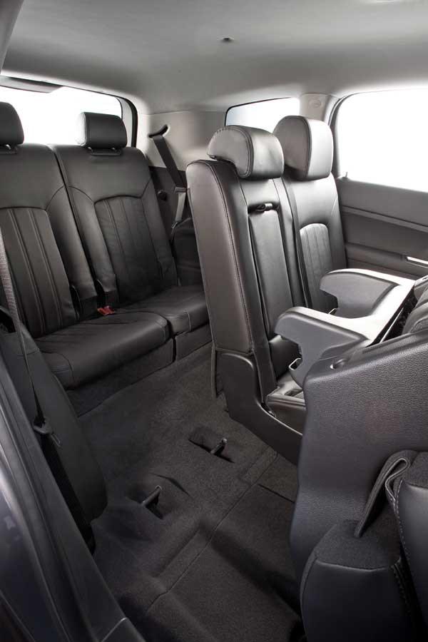 Chevrolet Orlando 2.0 VCDi LTZ (2010) review | CAR Magazine