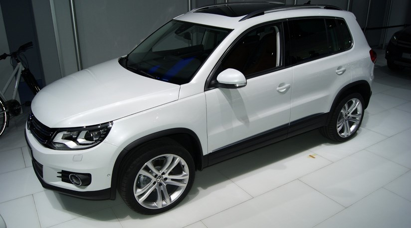 vw tiguan facelift 2011 at 2011 geneva motor show by car magazine. Black Bedroom Furniture Sets. Home Design Ideas