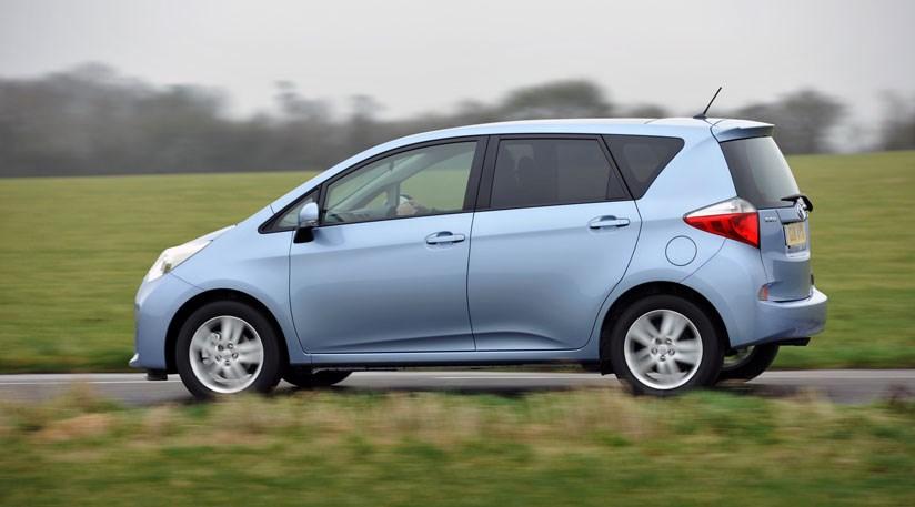 מפואר Toyota Verso-S (2011) review | CAR Magazine JO-23