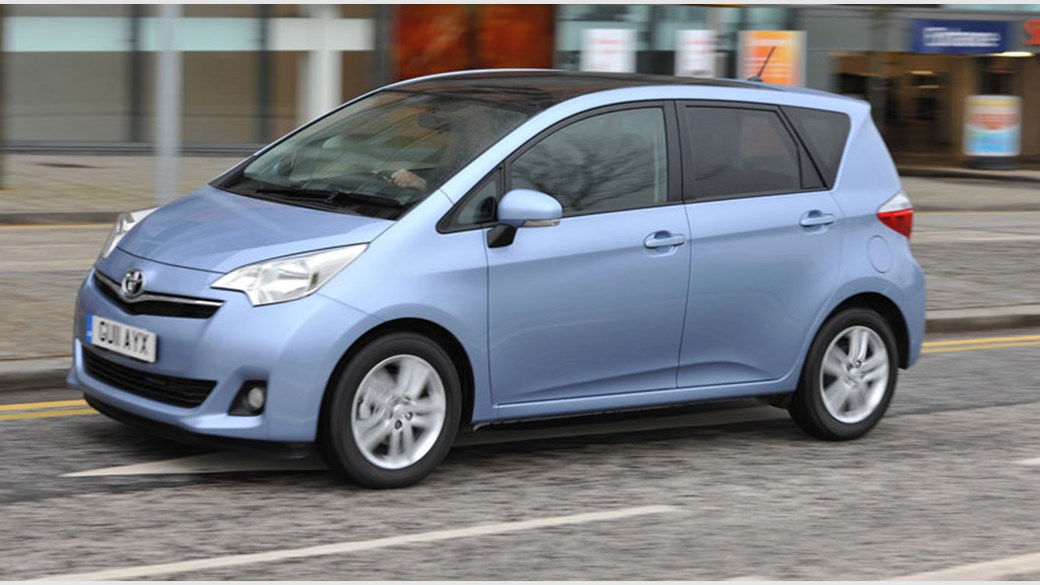 ברצינות Toyota Verso-S (2011) review | CAR Magazine GR-11