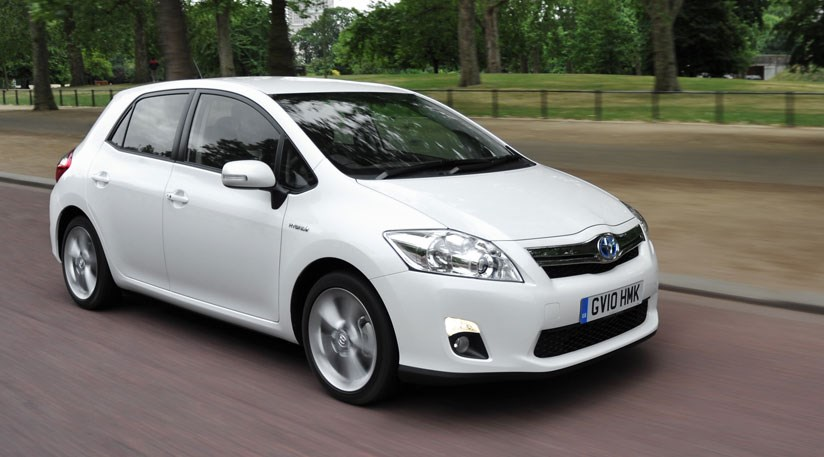 Toyota Auris HSD (2011) review by CAR Magazine