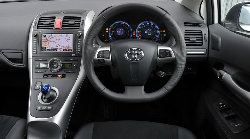 toyota auris hsd 2011 review by car magazine. Black Bedroom Furniture Sets. Home Design Ideas