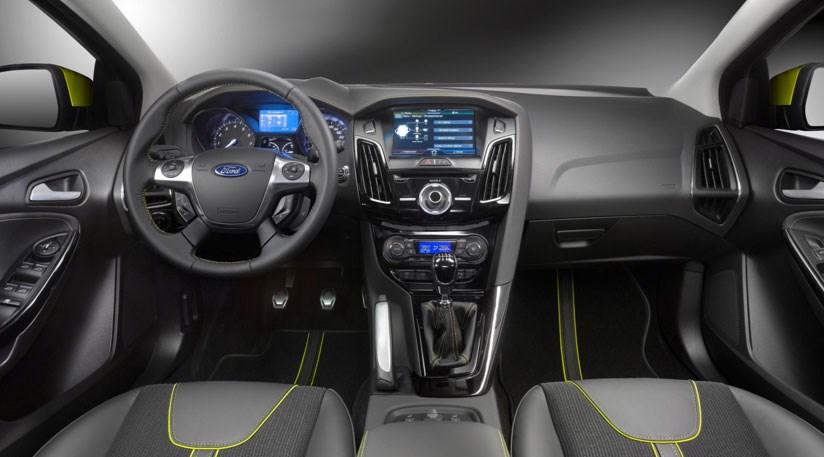 Ford transit photos interieur 2014 autos post for Interieur ford focus