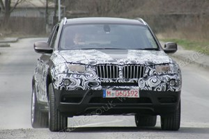 BMW X3 M is under development. This is an earlier spy shot of the regular X3