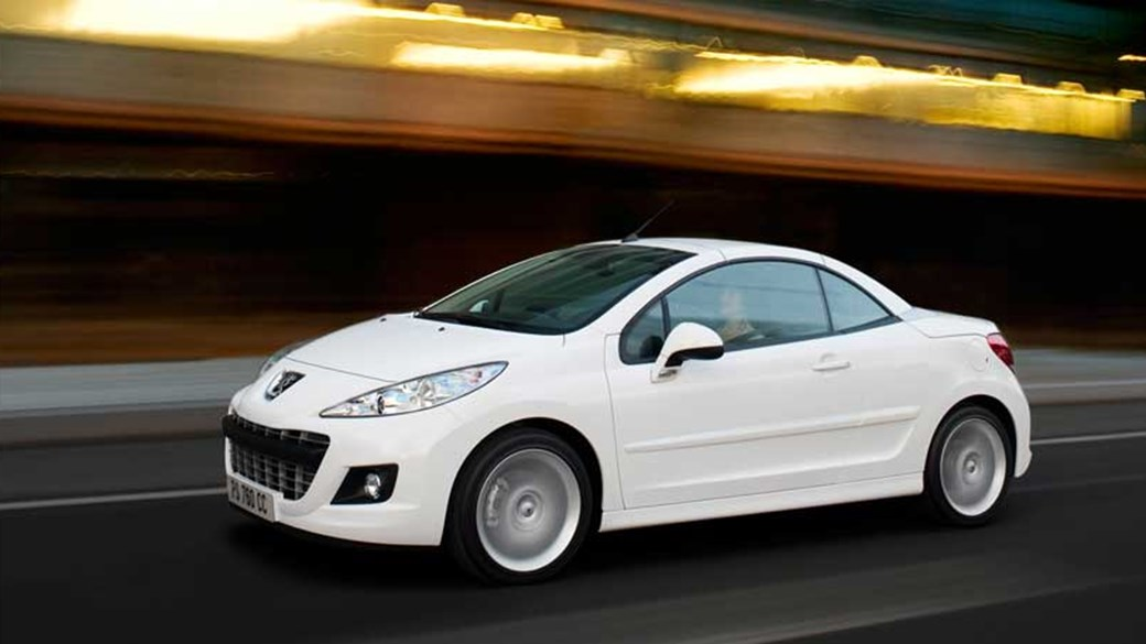 peugeot 207 cc 1 6 vti gt 2011 review car magazine rh carmagazine co uk Peugeot 207 CC Trunk Peugeot 307 CC