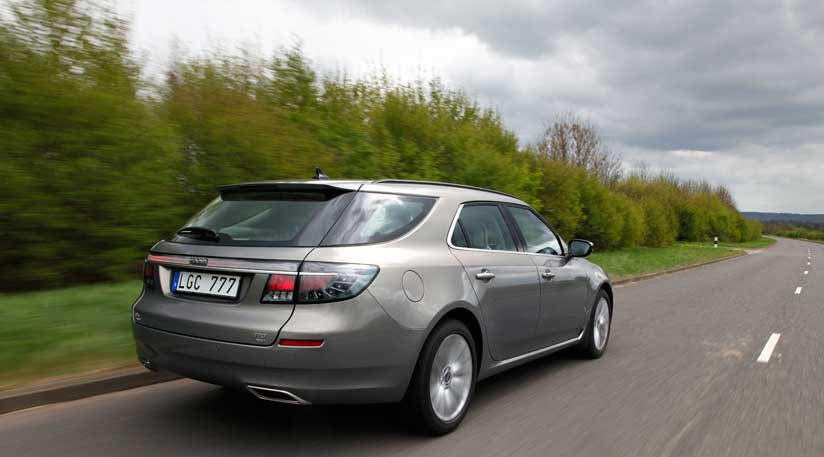 saab 9 5 sportwagon 2011 pre production review car magazine. Black Bedroom Furniture Sets. Home Design Ideas