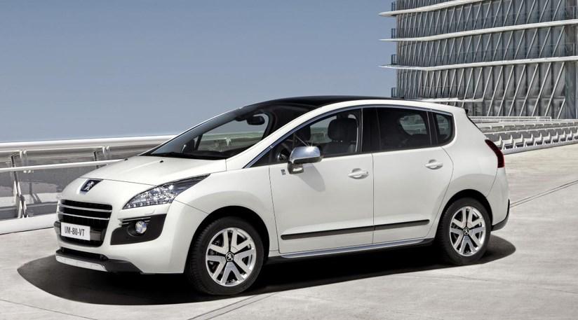 Peugeot 3008 HYbrid4 first of string of new Peugeot hybrids | CAR ...