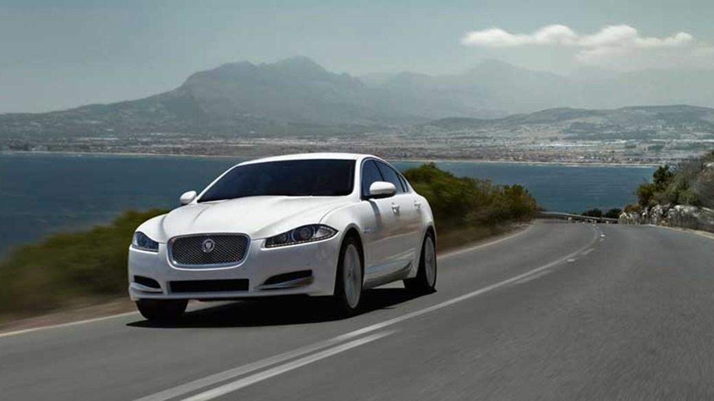 Jaguar XF 2.2 D Premium Luxury (2011) Review
