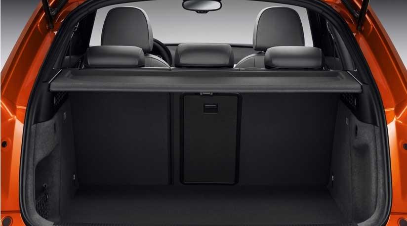Audi Q3 2.0TDI Quattro (2011) CAR review