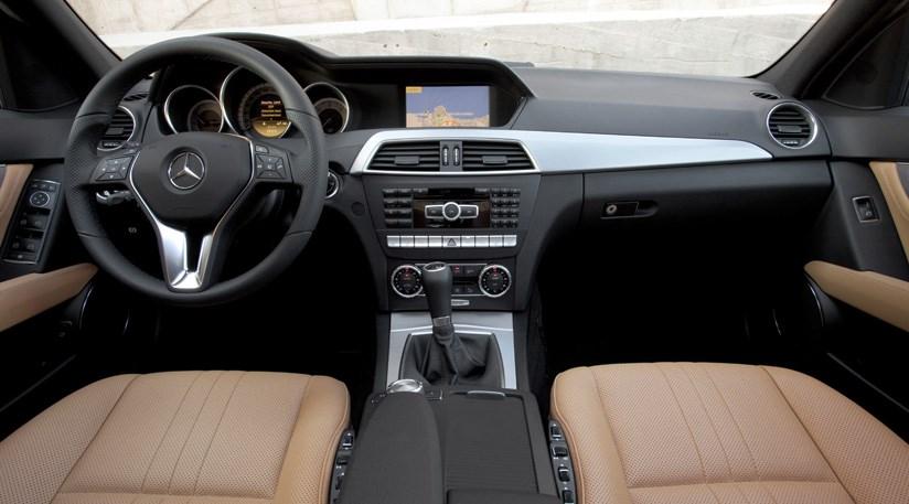 Mercedes c220 cdi facelift 2011 review by car magazine for Lederen interieur auto