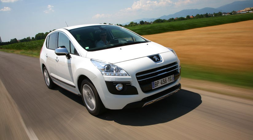 peugeot 3008 hybrid4 2011 review by car magazine. Black Bedroom Furniture Sets. Home Design Ideas