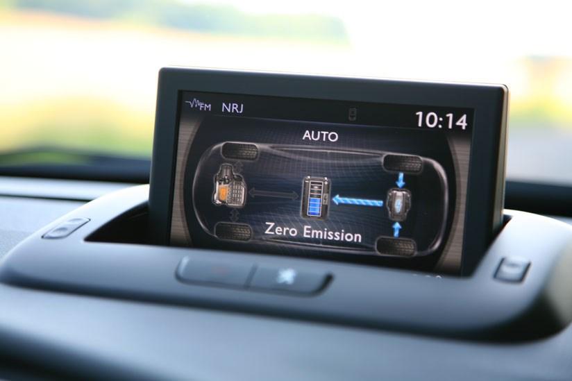 Peugeot 3008 Hybrid4 (2011) review | CAR Magazine