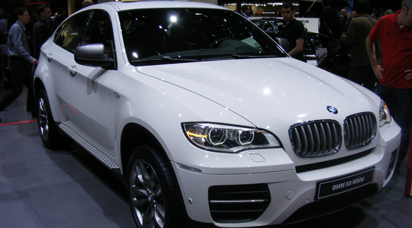 bmw x6 m50d 2012 leads facelifted x6 range by car magazine. Black Bedroom Furniture Sets. Home Design Ideas