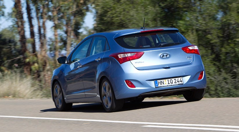 hyundai i30 1 6 crdi 2012 review by car magazine. Black Bedroom Furniture Sets. Home Design Ideas