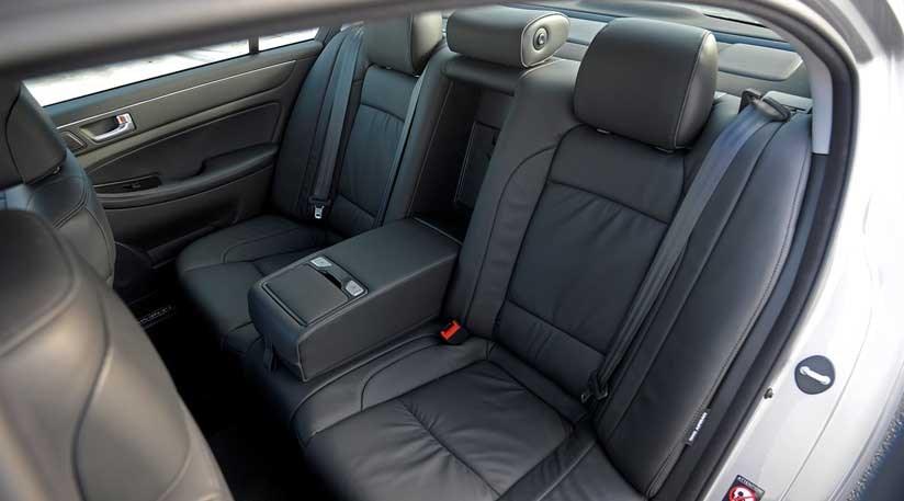 ... Hyundai Genesis 5.0 R (2012) Review ...