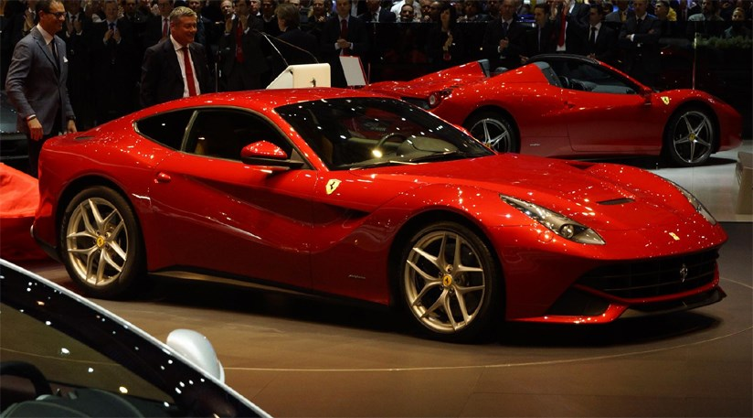ferrari f12 berlinetta 2012 the 599 supercar successor car magazine. Black Bedroom Furniture Sets. Home Design Ideas