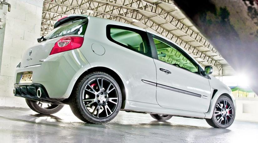 ... How to buy a second-hand RenaultSport Clio 197 ... & Used cars: how to buy a second-hand Ford Focus ST (2006-2010) by ... markmcfarlin.com