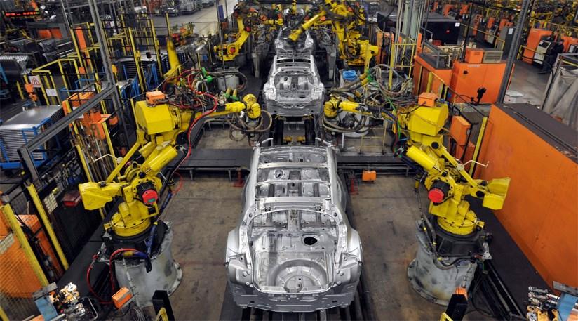 uk car manufacturing to hit record high2015car magazine