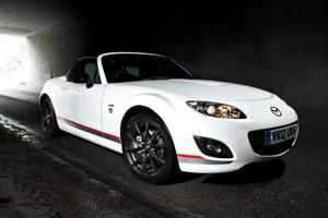 Mazda MX-5 Kuro Edition (2012) - it's a Mazda MX-5 with added dark side
