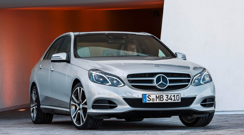 mercedes e class facelift 2013 first official pictures car magazine. Black Bedroom Furniture Sets. Home Design Ideas