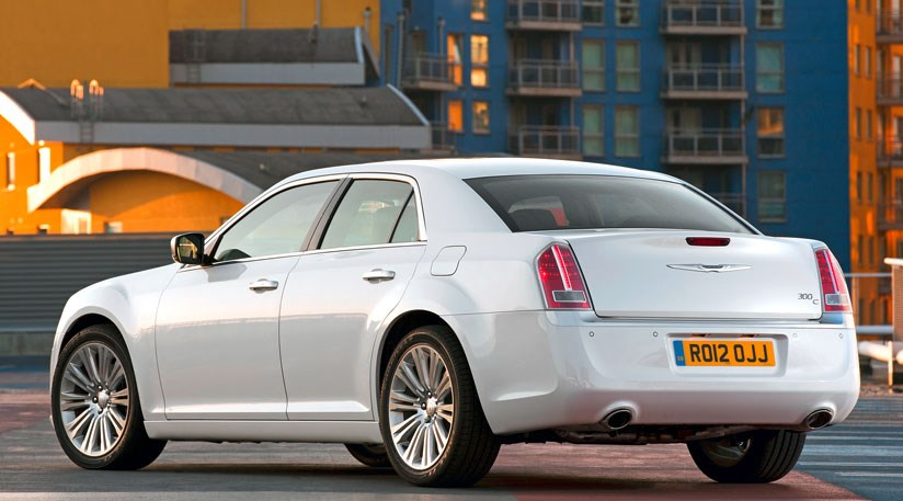 Chrysler 300C 30 CRD 2013 review by CAR Magazine