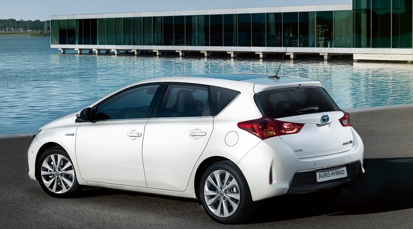 Nice Toyota Auris (2013) Review ...