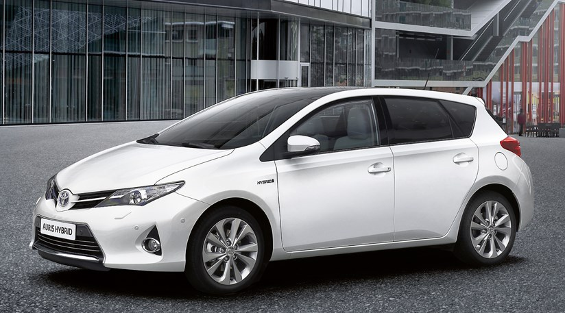 toyota auris 2013 review by car magazine