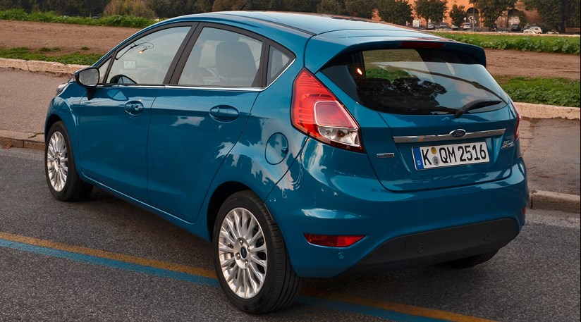 Ford Fiesta 1.0 Ecoboost 99bhp (2013) review ... & Ford Fiesta 1.0 Powershift automatic (2014) review by CAR Magazine markmcfarlin.com