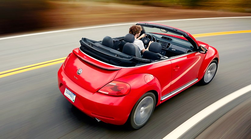 vw beetle cabriolet 2 0 tsi 2013 review by car magazine. Black Bedroom Furniture Sets. Home Design Ideas