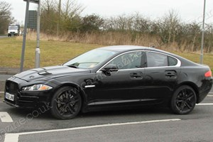 Jaguar's 3-series rival: test mule spy shots
