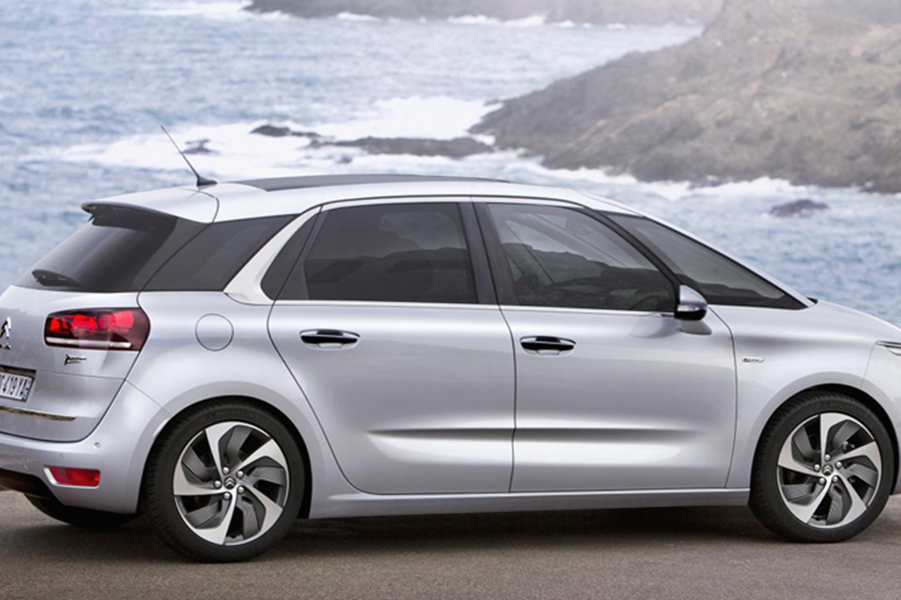 Citroen C4 Picasso Review | Auto Express