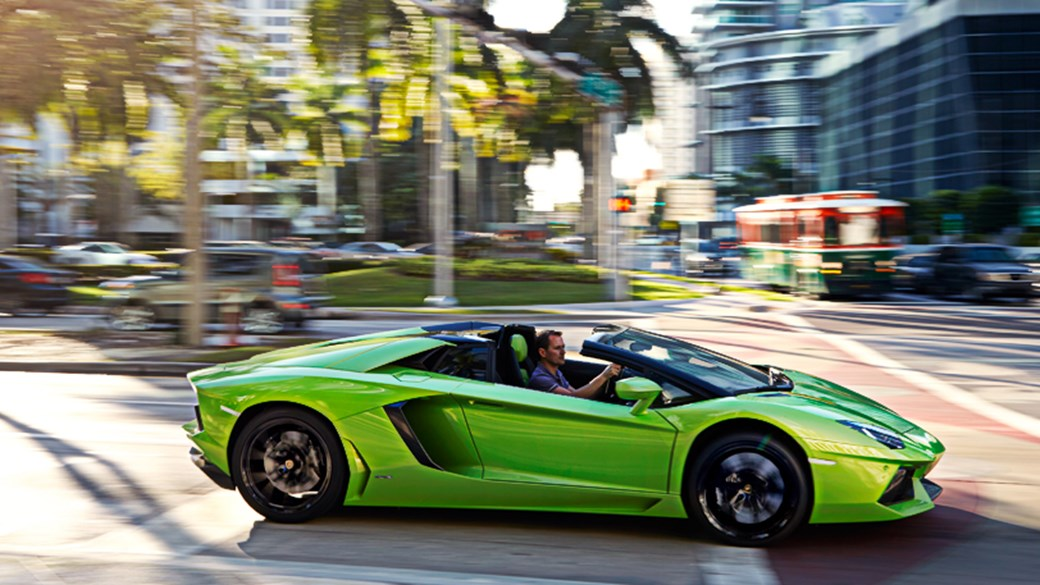 Lamborghini Aventador Roadster (2013) Review