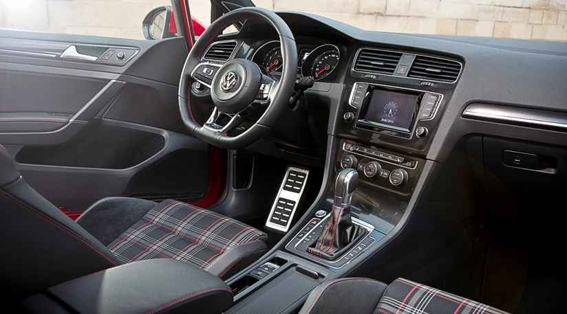 VW Golf GTI Review By CAR Magazine - 2013 volkswagen golf gti interior