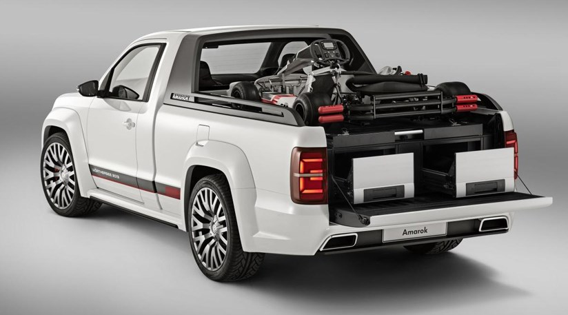 vw amarok power pick up 2013 first pictures of super truck concept by car magazine. Black Bedroom Furniture Sets. Home Design Ideas