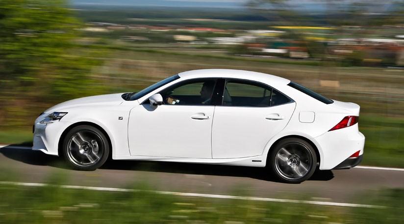 Lexus IS 300h F-sport (2013) review | CAR Magazine