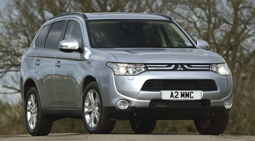 Mitsubishi Outlander 2 3 GX5 (2013) review | CAR Magazine
