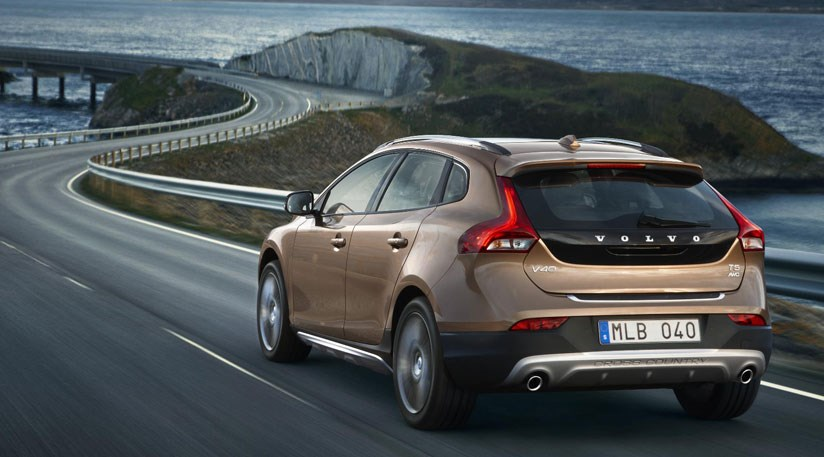 volvo v40 cross country d2 2013 review car magazine. Black Bedroom Furniture Sets. Home Design Ideas