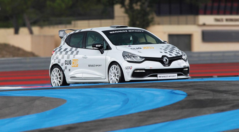 Renault Clio Cup racing car 2013 review by CAR Magazine