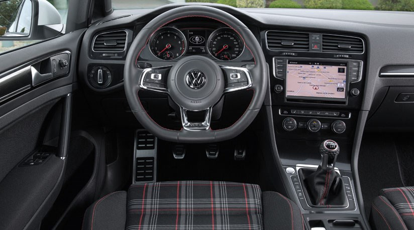 VW Golf GTI Performance Pack Review By CAR Magazine - 2013 volkswagen golf gti interior