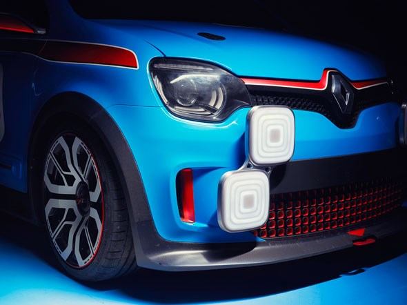 2013 - [Renault] Twin'Run Concept - Page 9 Concept-light