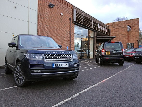Range rover vogue se tdv6 2014 long term test review by for Garage land rover nancy