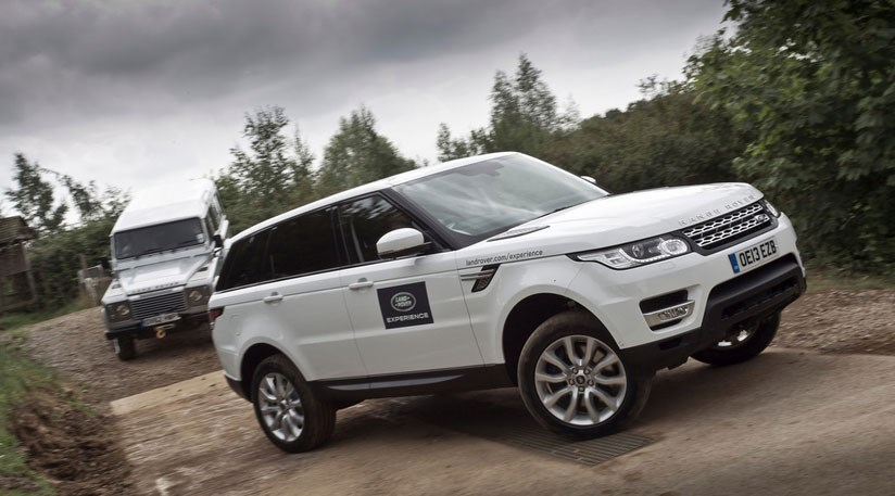 Heritage Volkswagen Subaru >> CAR blog: Range Rover Sport vs Land Rover Defender, off ...