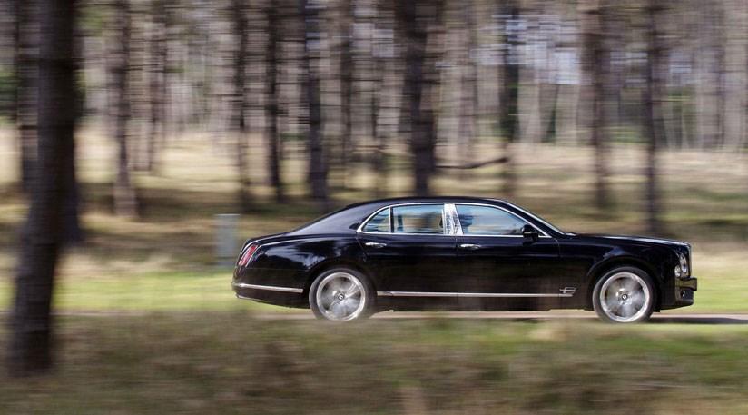 Car Scoop Bentley Plots Four Door Coupe For 2018 By Car